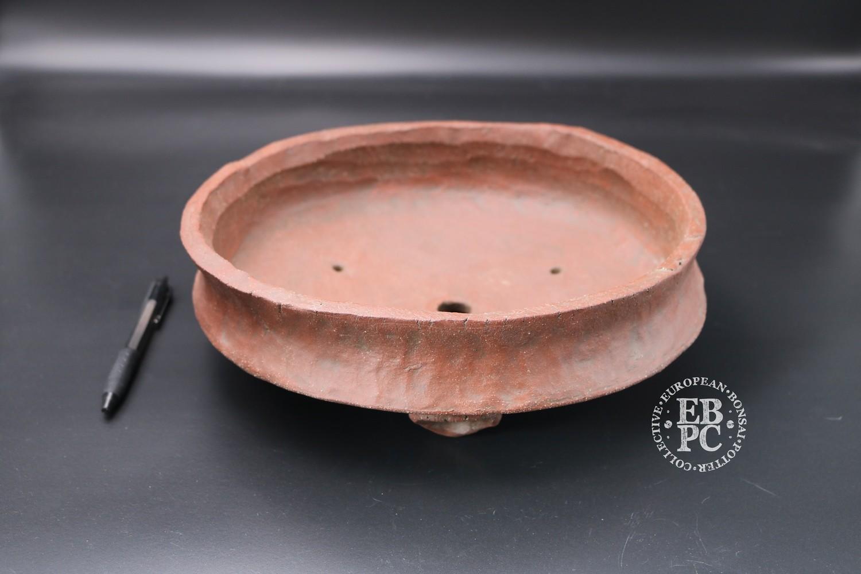 Holvila - 27cm; Unglazed; Round; Reddish Clay;
