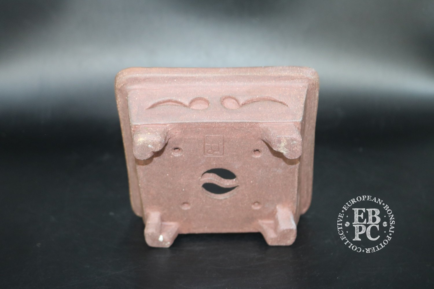 14.1cm; Unglazed; Carved; Shohin; Square; Guerao