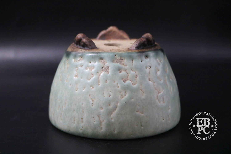 Ian Baillie - 9.6cm; Glazed; Round; Mame; Semi-cascade; Turquoise; Crawling glaze