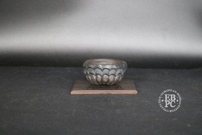 Holvila - 'Dragon Teeth'; MAME'; 6.2cm; Unglazed; Round; Grey clay; Carved; Thor Holvila