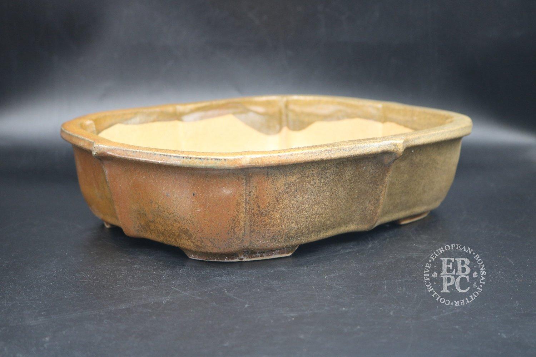 SOLD - Miroslav Znamenáček - 31.6cm; European; glazed; scalloped rectangle; light brown; sand;