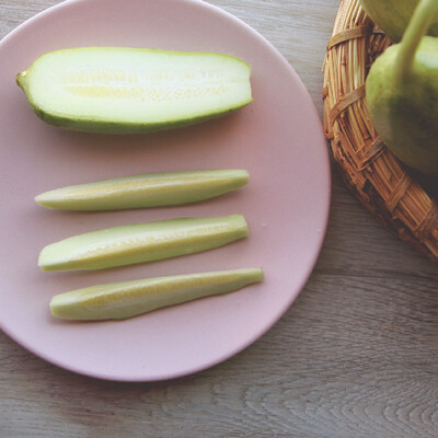 Melone immaturo Carosello mezzo lungo