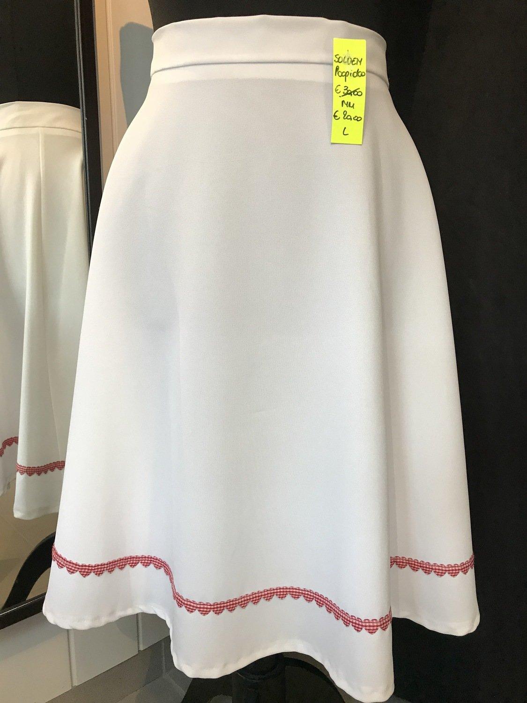 witte rok met biesje van hartjes