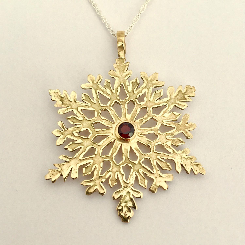 Garden Series 14k Snowflake Pendant with Garnet Gemstone