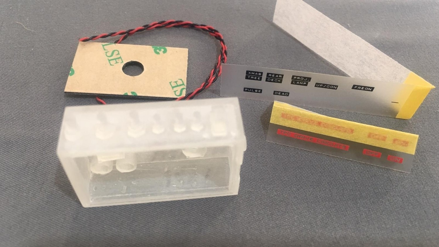Delorean 1:8 scale 1-6 replacement switch & Light housing
