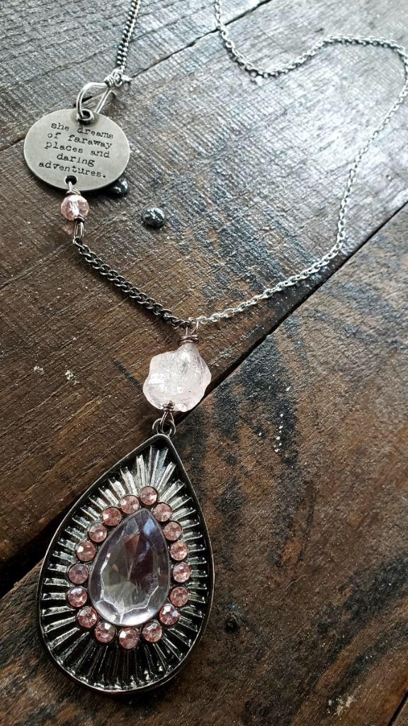 Vintage Dazzle Teardrop Necklace 00321