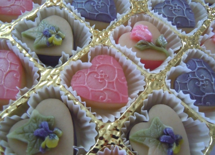 A box of these would make any marzipan lover's day!