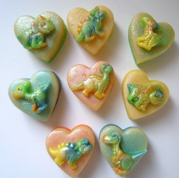 These marzipan Dinosaurs are the type you would love to meet!