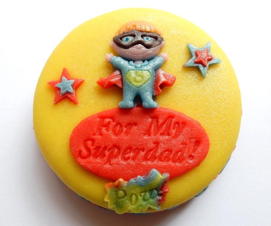 A Mini Cake fit for a super hero!