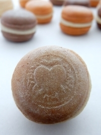 Sweet & Spicy Flavour Macarons 00186