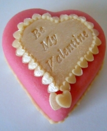 Pearly Heart Marzigram Mini Cake