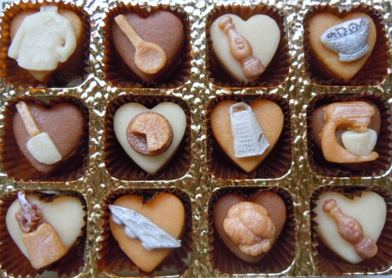 Choose from plain almond or chocolate and ginger flavoured marzipan.