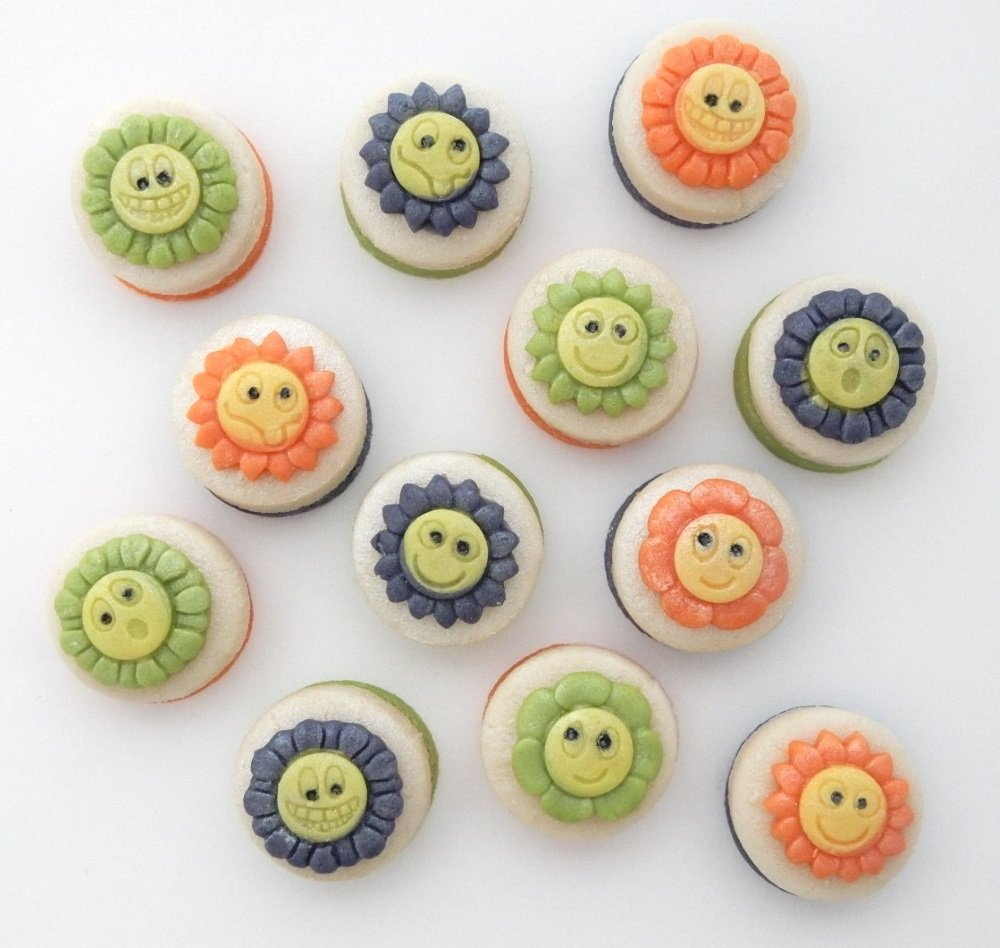 Flower Power in marzipan!