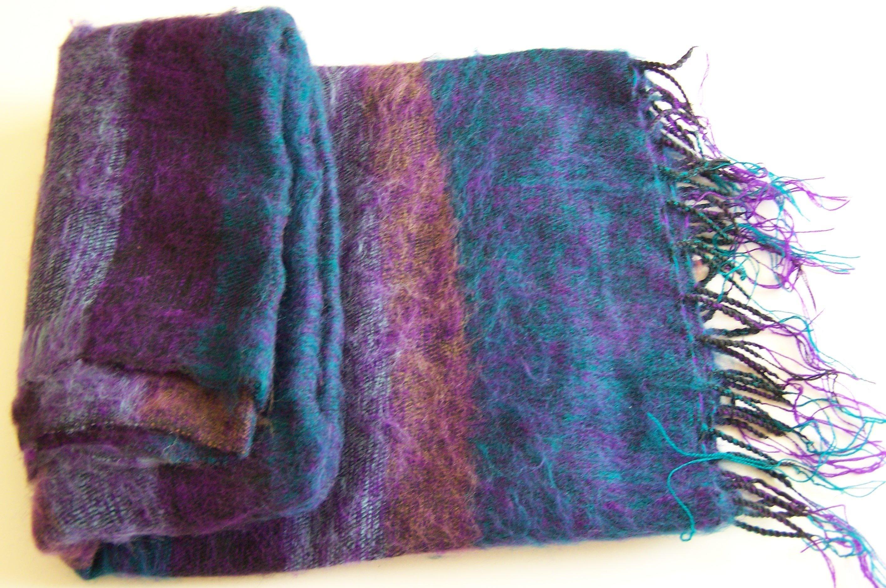 Hand Loom Woolen Shawl 100-8316
