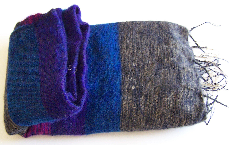 Hand Loom Woolen Shawl 100-8318