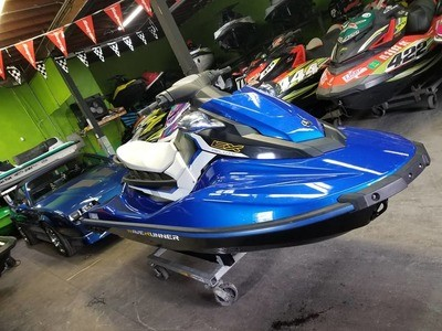 For Sale 2017 Yamaha EX Deluxe Waverunner -TR1 Engine -Ride System Reverse -Dual Mirrors -Reboarding Step
