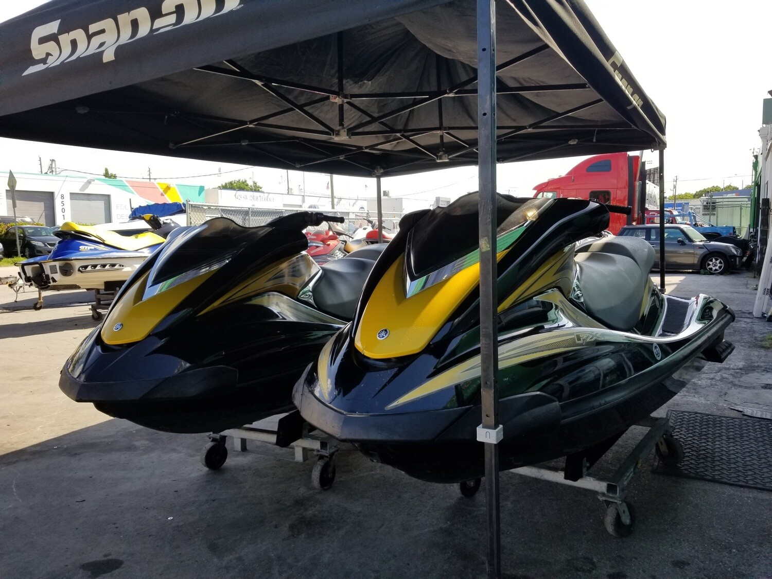SPECIAL PRICE FOR SET !! Set of Jetskis 2006 Yamaha FX 160 hp Waverunners , Reverse , 3 passengers  ( two unit in Stock ) Unit Price $ 4200