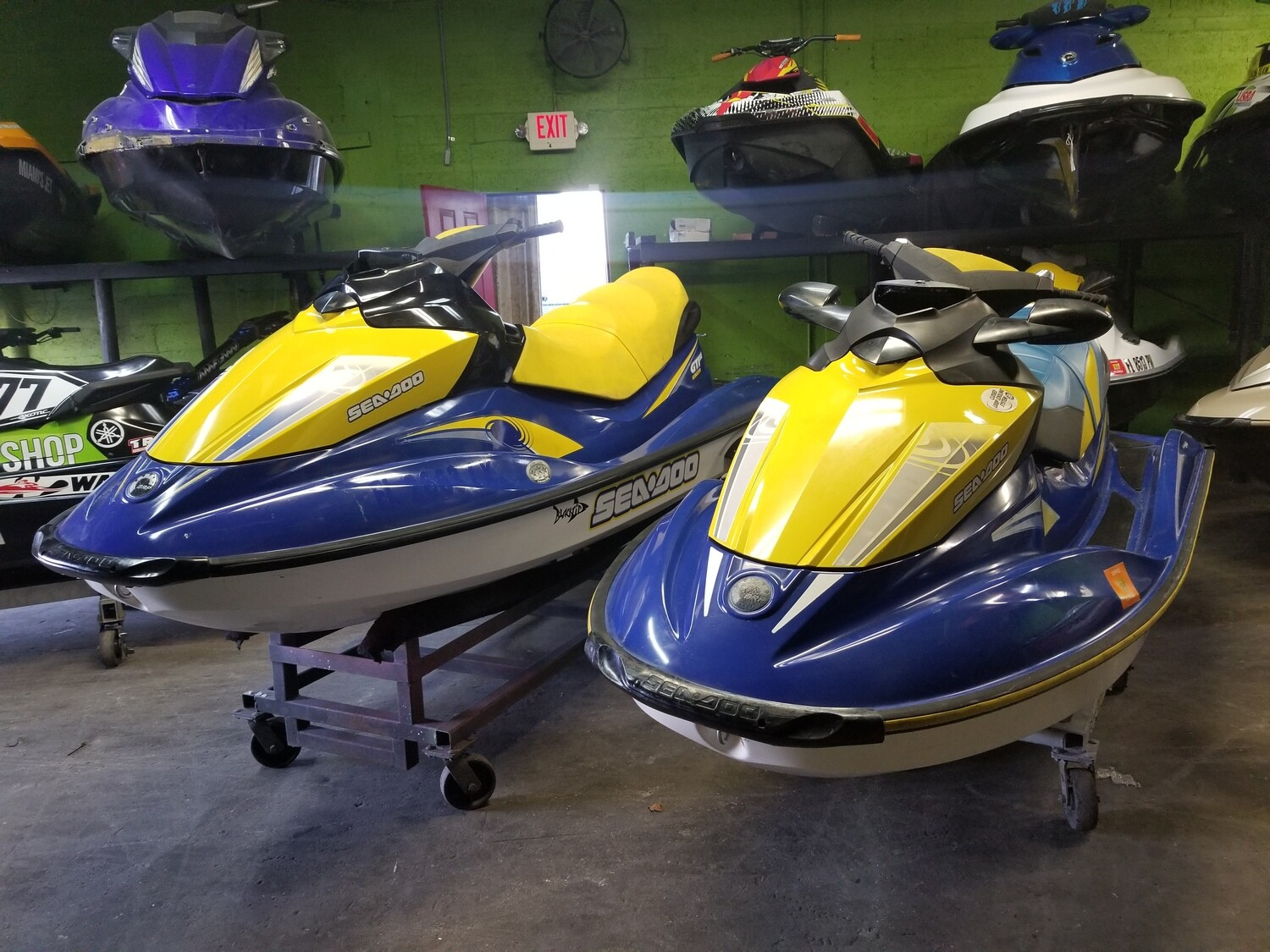 Special !  pair of 2006 Sea Doos GTI Bombardier 155 hp - 1500 cc 4 Stroke Engines Very nice condition Jetskis and a trailer