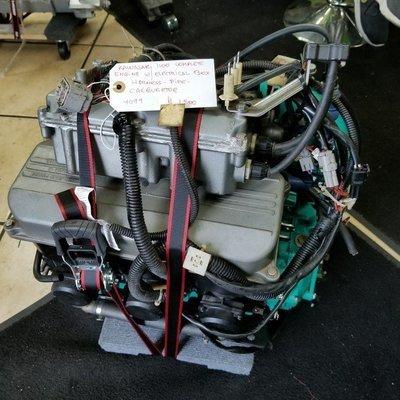 KAWASAKI 1100 COMPLETE ENGINE USED W/ELECTRICAL BOX - HARNESS -PIPE -CARBURETOR