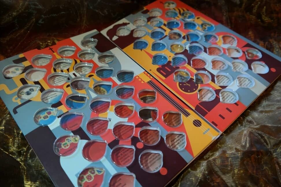 """Капсульный альбом """"Россия"""" для 10 рублевых монет диаметром 22мм на 70 ячеек"""