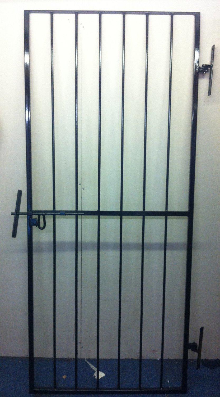 SECURITY GATE, METAL GATE, SIDE GATE, PEDESTRIAN GATE, GATE, DOOR GRILL,