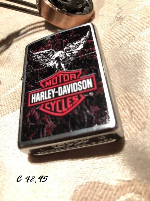 ZIPPO Harley-Davidson® Eagle on Red and White B&S Logo