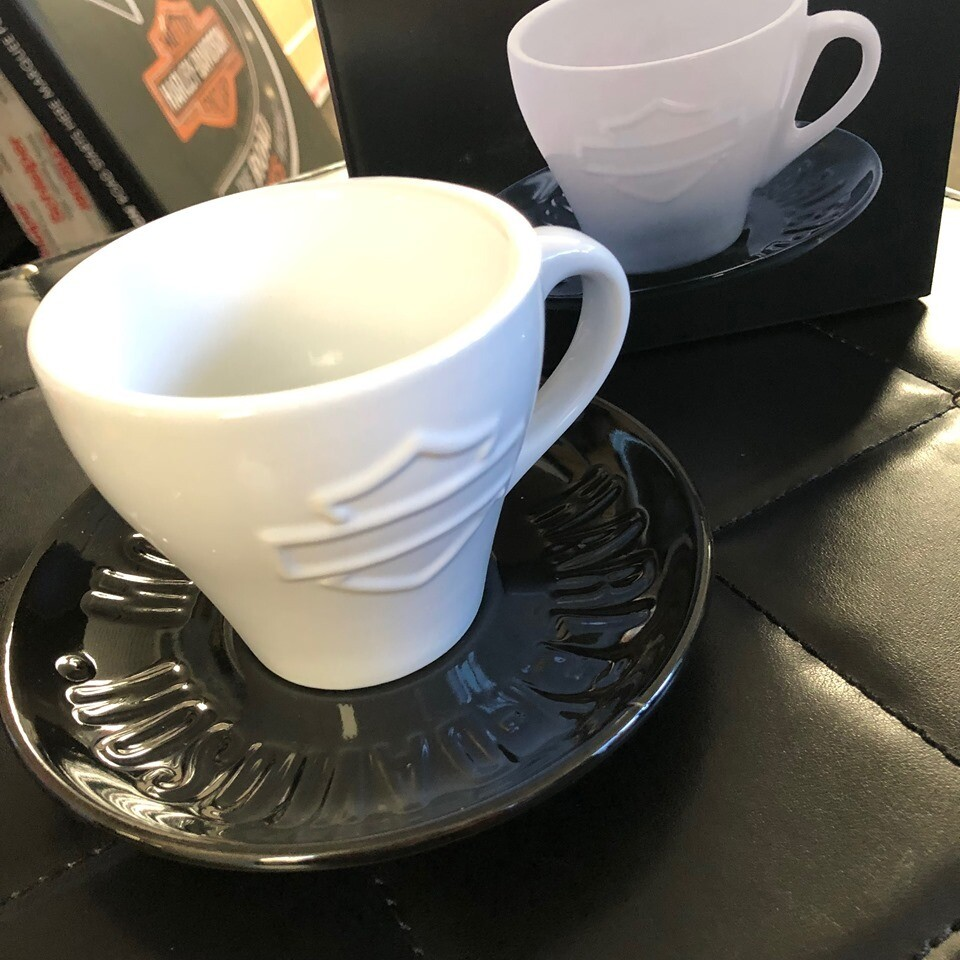 Cup & Saucer Motorcycle White/Black