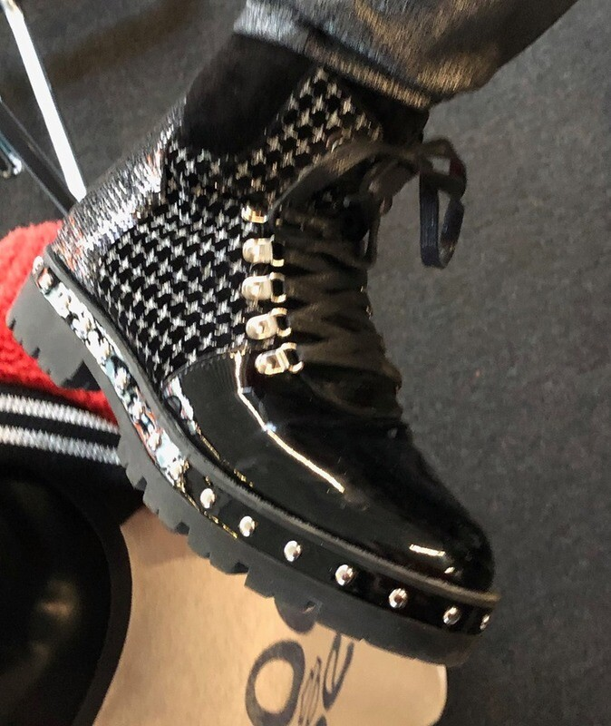 Fashion Boot Black Checked with laces