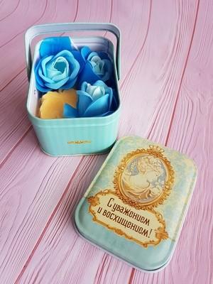 Мыльные лепестки и мыло в шкатулке