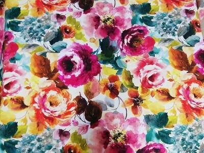 Värikäs kukkakangas