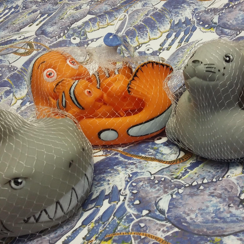 Floaty Families - Clown Fish or Shark 00281