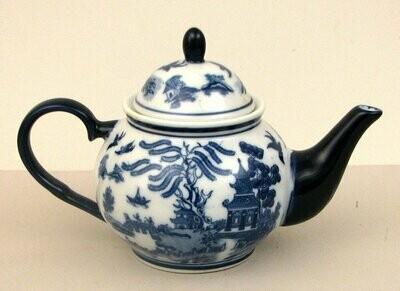 Blue Willow Round Teapot
