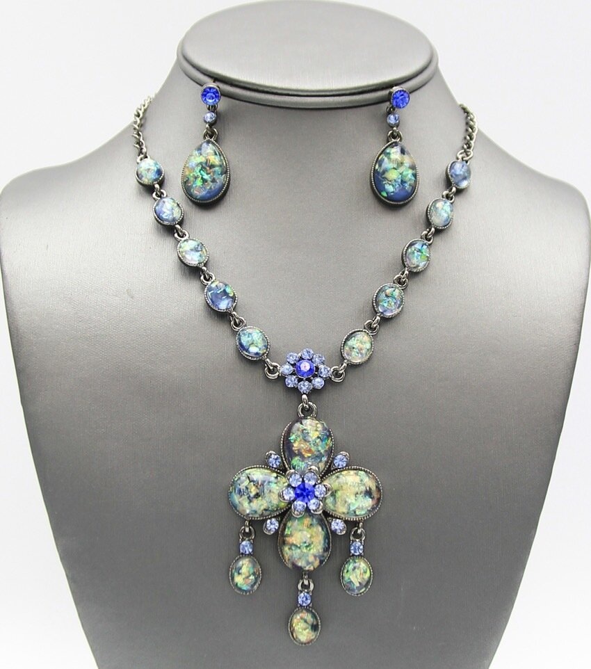 Crystal Pave Victorian Style Pendant Necklace Set