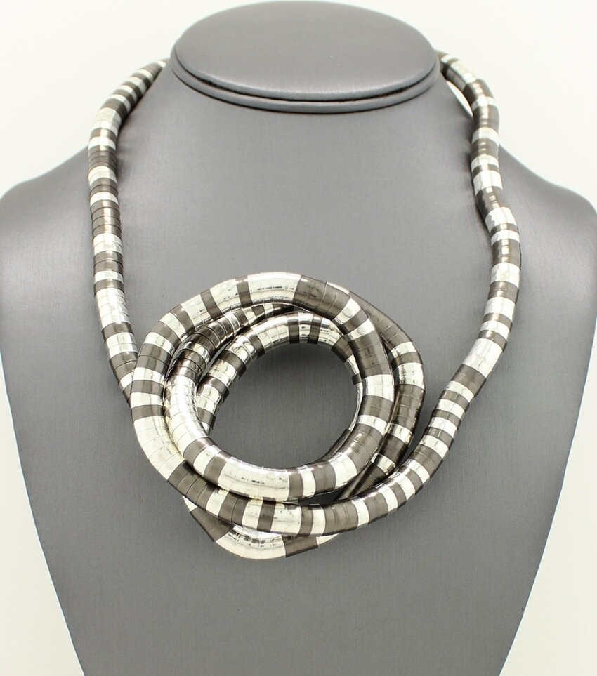 Shape Snake Chain Loop Necklace
