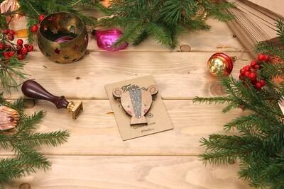 Деревянный значок - мордочка мышонка