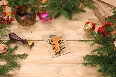 Деревянный значок - мышка из массива ясеня