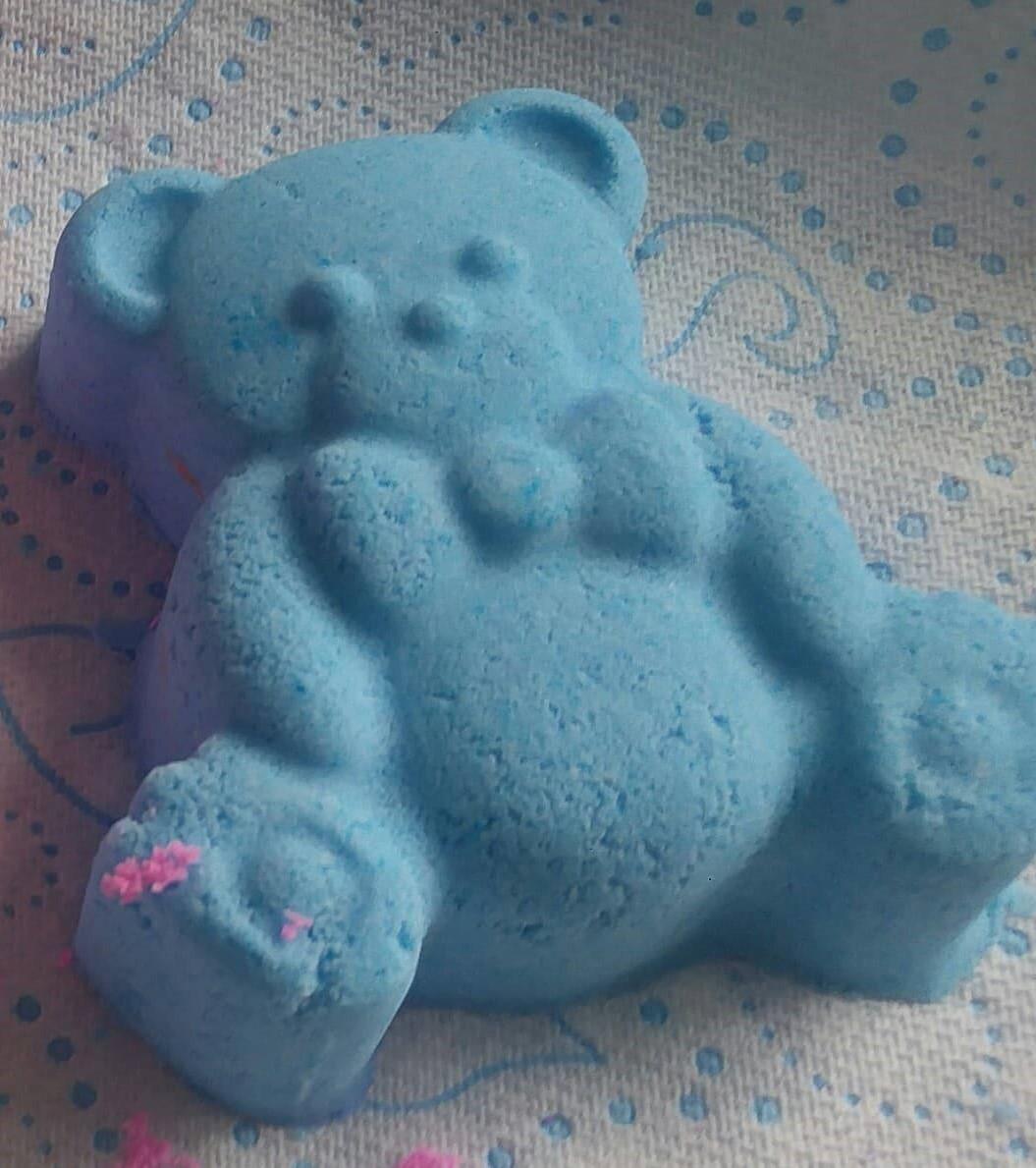 Cute blue bear 00096