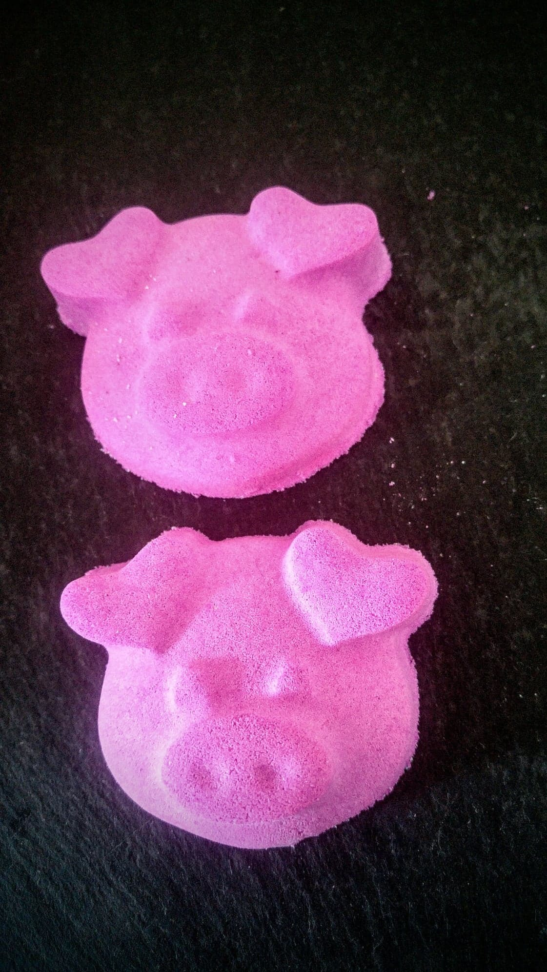 2nd cute little piggy £2 each 00108