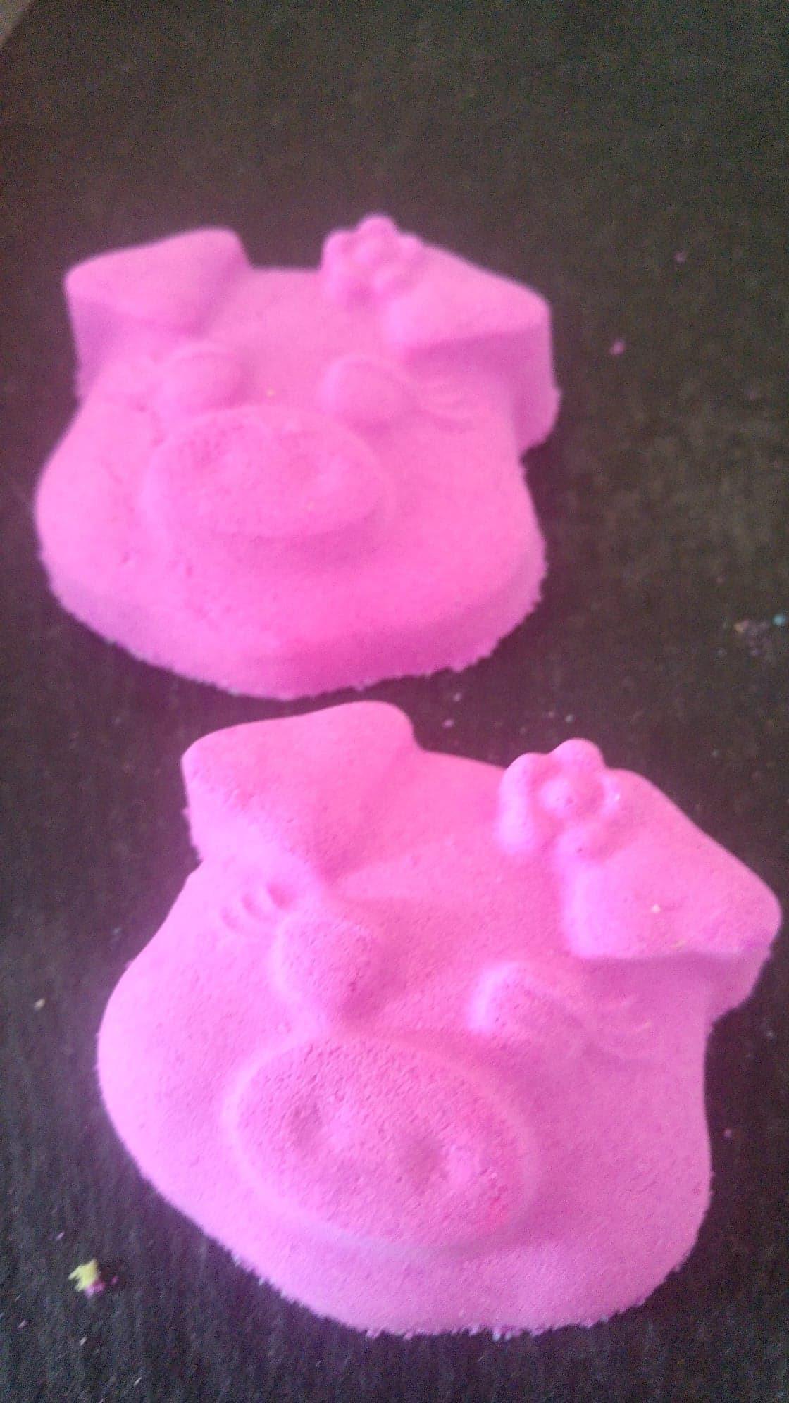 3rd cute little piggy £2 each 00109