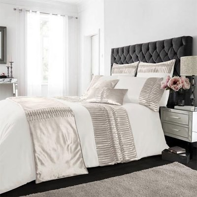 PORTO CREAM LUXURY DUVET SET