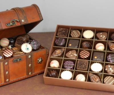 THE ORIGINAL CHOCOLATE TREASURES COLLECTION