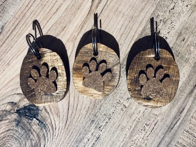 Daddy's Workshop - Handcrafted Wooden 3D Paw Print Keyring