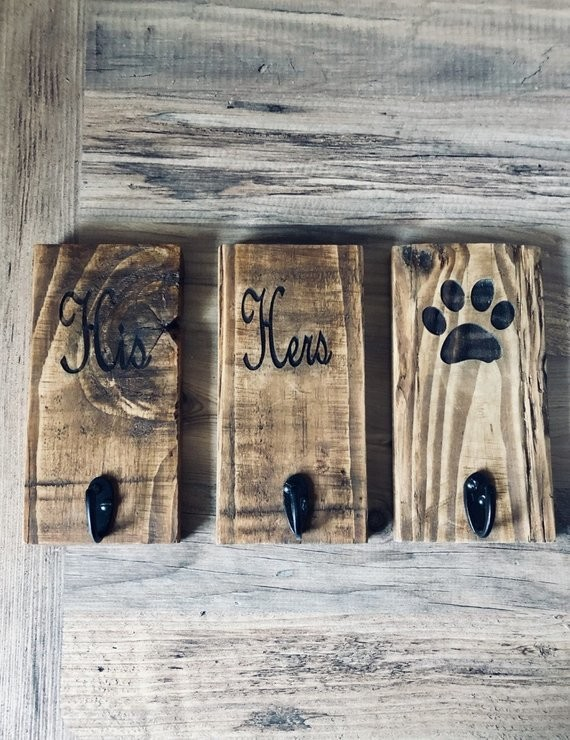 Daddy's Workshop - Handcrafted Personalised Wall hooks - Dog lead/His/Hers/Keys -