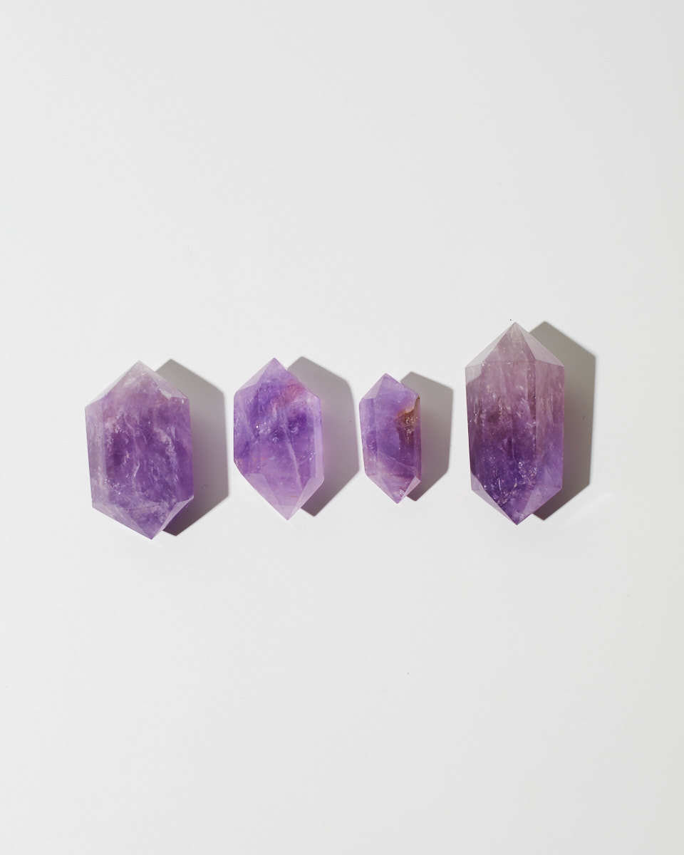Двуконечный кристалл аметиста