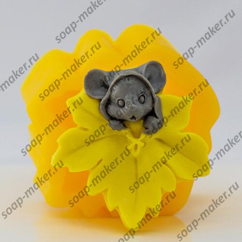 Мышка с листочком