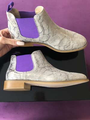 4669 Grey Ankle Boot With Diamante Detail & Purple Elastic