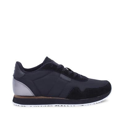 NORA 11 Black Sneaker
