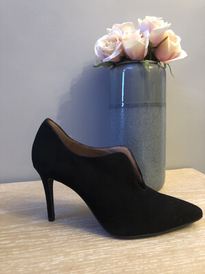 Marian - 3706 Black Suede Open Front Heel