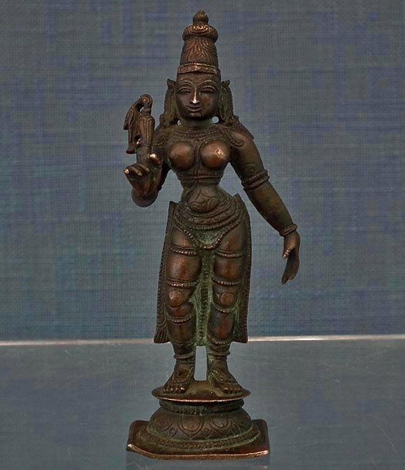 SOLD Antique bronze Figure Indian Hindu Goddess Parvati 16t/18th century India