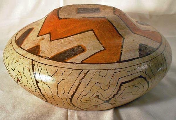 (SOLD)  Peruvian Amazon Shipibo Culture Pottery Bowl